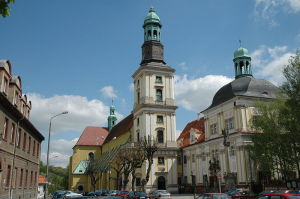 800px-Poland_Trzebnica_-_sanctuary_of_Hedwig